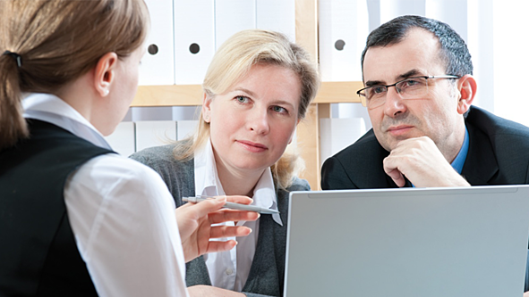 financial-advisors-delivering-bad-news.png